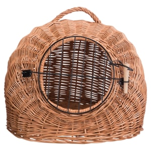 Trixie Wicker Cave met bars